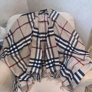 Burberry Cashmere Wool Cape